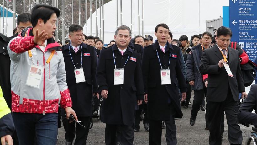 입촌하는 패럴림픽 북한 선수단