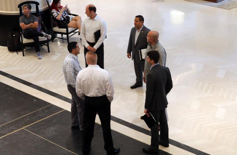 샹그릴라 호텔의 미국 정부 관계자들<YONHAP NO-2664>