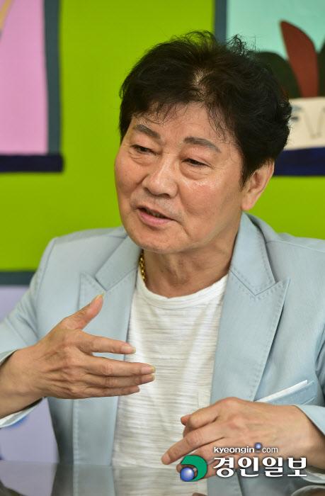 가수데뷔 40주년 맞은 인천가수 백영규 인터뷰 공감