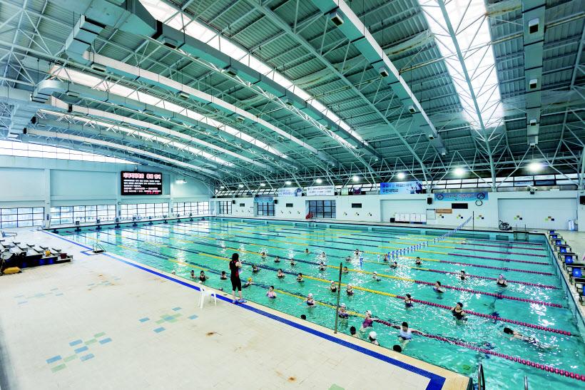 부천도시공사-전국 최초 냉각수 활용한 수영장