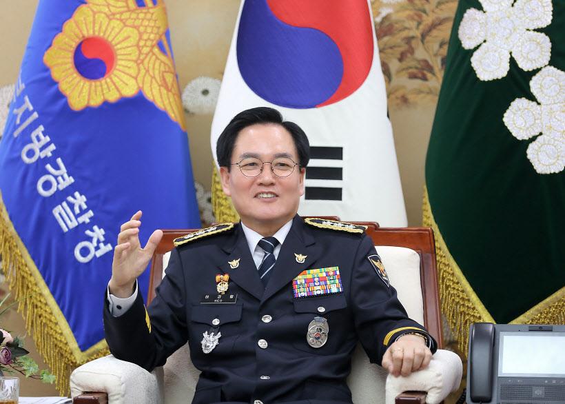 180827 허경렬 경기남부경찰청장 취임인터뷰 사진 (2)
