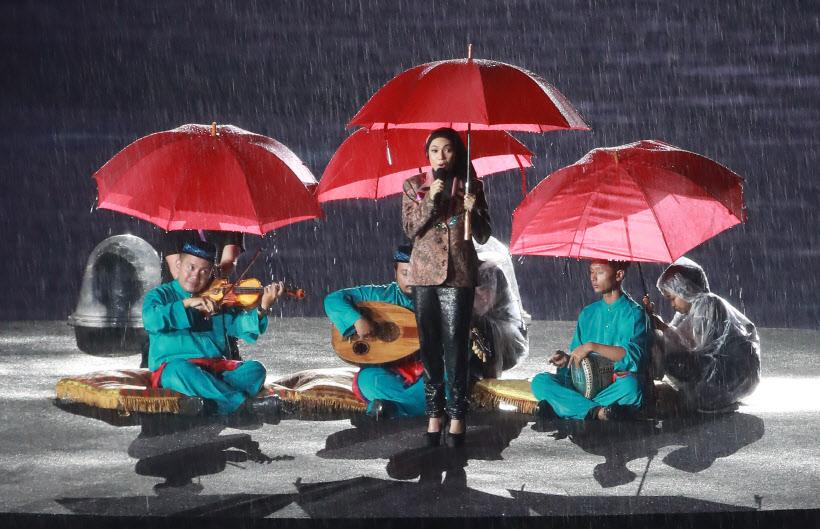폭우속에서 펼쳐지는 AG 폐회식
