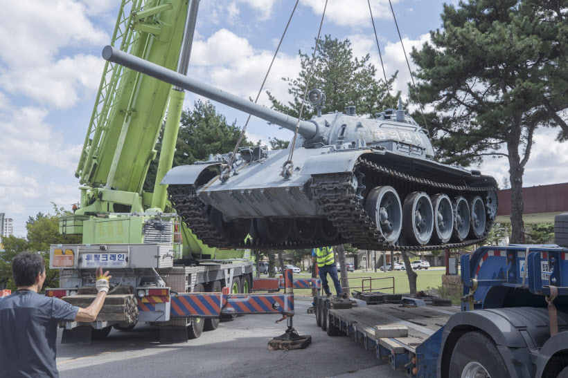 평택으로 가는 소련 탱크