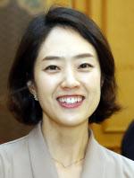 2면 고민정 청와대 신임 대변인, 첫 일정<YONHAP NO-3667>