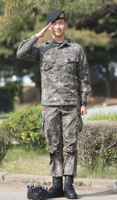 [포토]옥택연, 육군 만기 제대