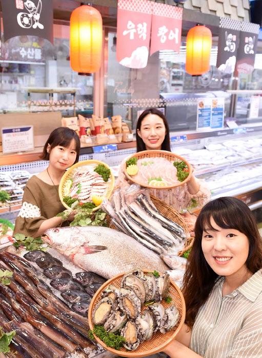 농협 하나로마트, 국산 수산물 보양식 행사
