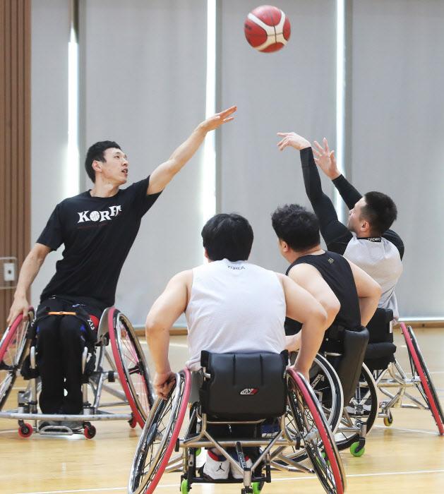 20년 만에 패럴림픽 출전하는 휠체어 농구 대표팀