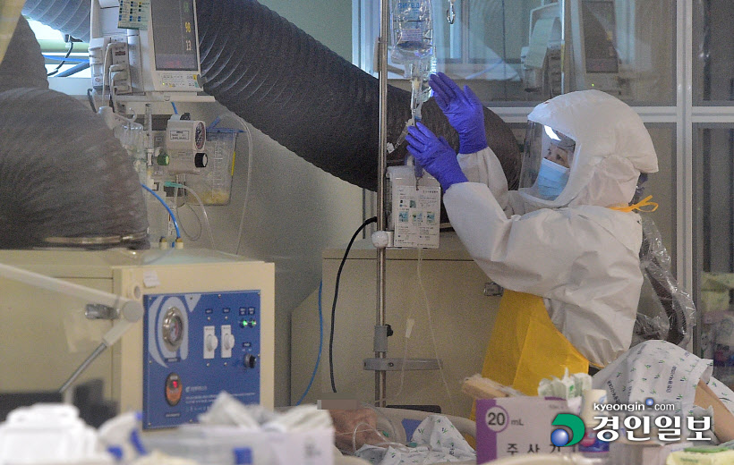 코로나19 1년 음압병동으로 바뀐 인천의료원 중환자실