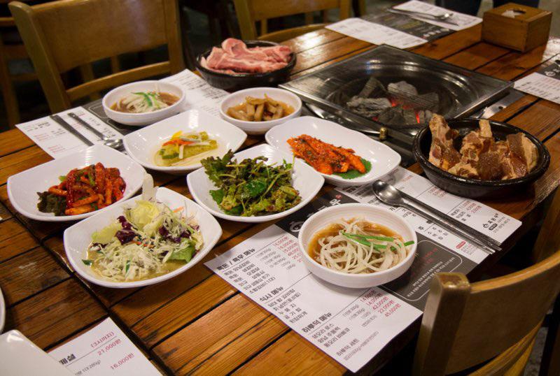 [맛집을 찾아서]남양주 평내동 `흑돈우`