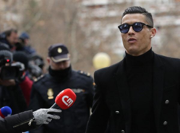 스페인 법원, '탈세 혐의' 호날두에 유죄 판결… 벌금 242억 원에 징역형 집행유예