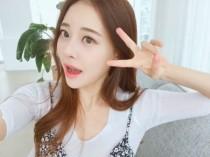 트위치TV BJ `아옳이` 김민영, 남심 설레게 하는 미소… `일상이 화보`