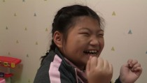 엔젤만 증후군은? 이유없이 장시간 웃는 희귀병… 유민이의 힘찬 한걸음