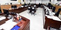 당원 모집·도의회 비방… 정치 중립 벗어난 `공무원의 일탈`