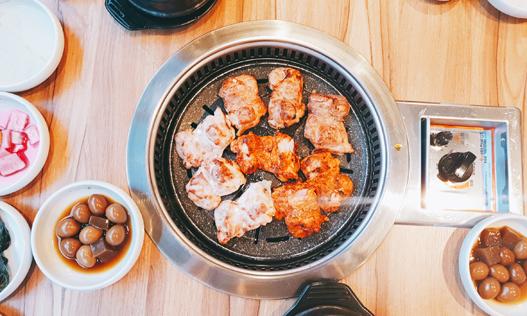 수원 매탄동 `계룡 숯불 닭갈비&닭보쌈`