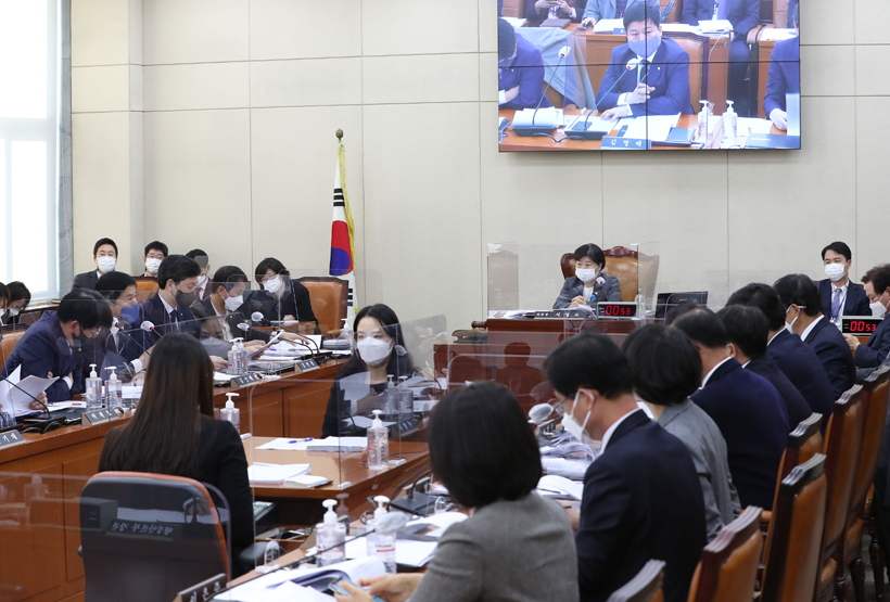 지방자치법 전부개정안, 행안위 전체회의 통과…8부능선 넘었다